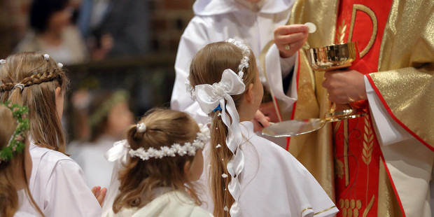 4-web3-children-going-to-the-first-holy-communion-0a-shutterstock_587731196