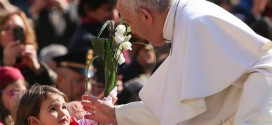 4-O Papa Francisco ensina os três verbos do Pastor ver, ter compaixão e ensinar