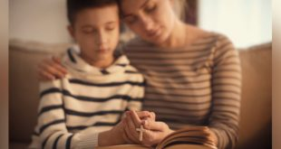 4-web3-mother-son-praying-catholic-bible-rosary-shutterstock_1035166393-africa-studio-ai
