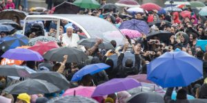 w1-web3-gaa04-pope-francis-arrives-for-his-weekly-general-audience-at-saint-peters-square-antoine-mekary-a