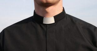 web3-priest-cassock-neutral-man-east-news